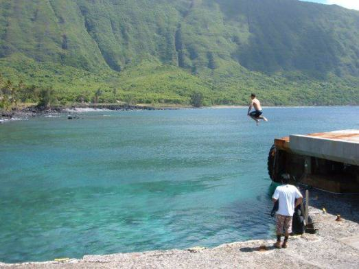 Jumping off the pier @ Kalaupapa, Molokai